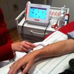 Behandlung Distorsion (Zerrung) Handgelenk